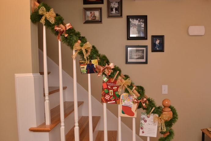 designrulz-staircase-christmas-deco-008