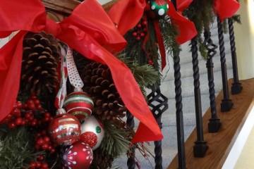designrulz-staircase-christmas-deco-010