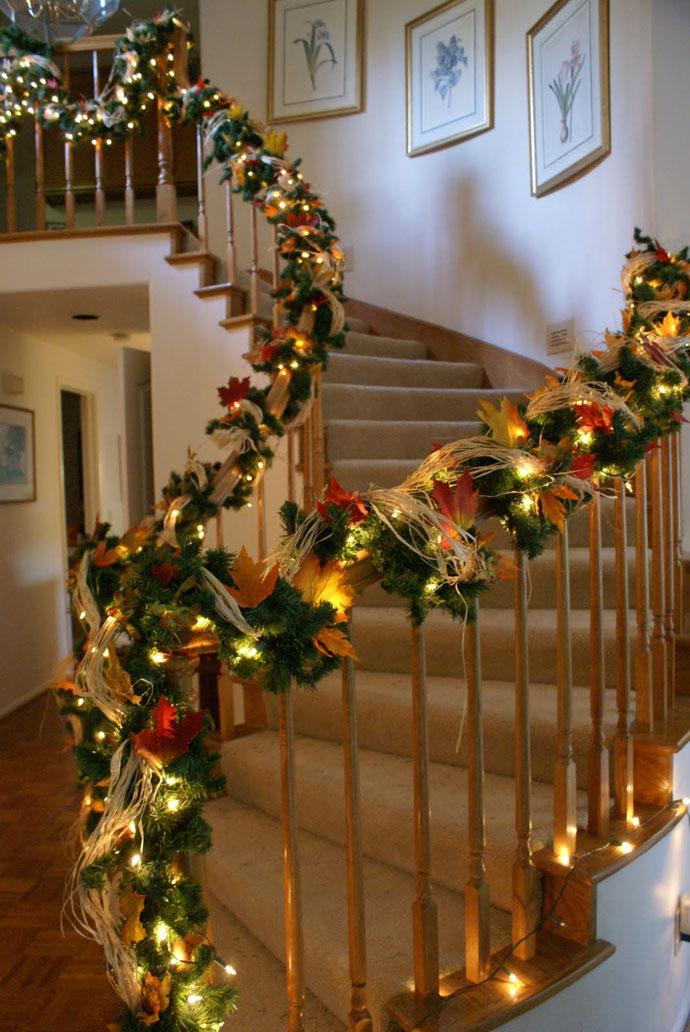 designrulz-staircase-christmas-deco-011