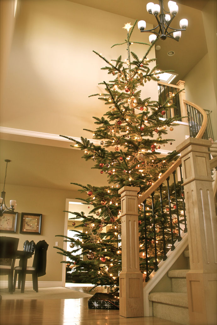 designrulz-staircase-christmas-deco-016