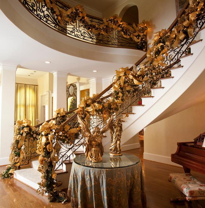 designrulz-staircase-christmas-deco-023