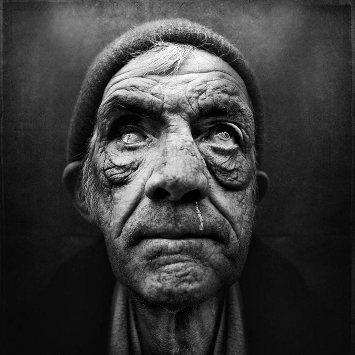 homeless-black-and-white-portraits-lee-jeffries-24