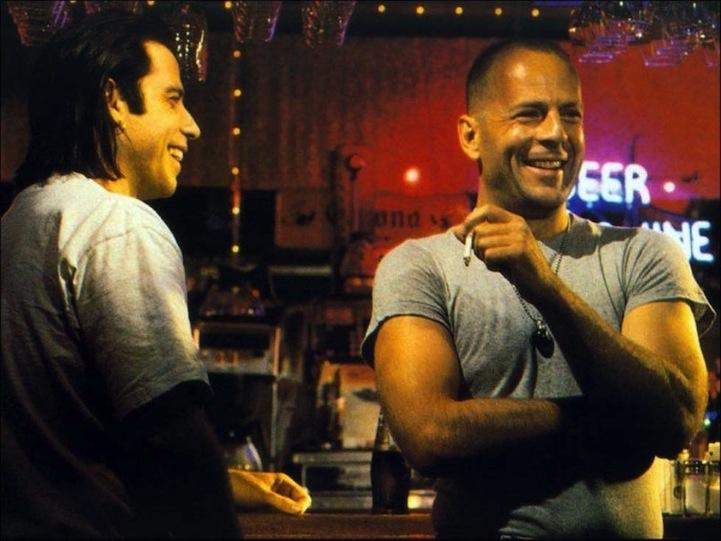 John Travolta s Brucem Willisem v pauze při natáčení Pulp Fiction