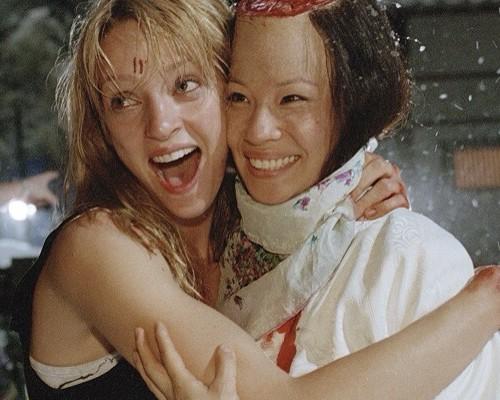 Ve filmu rivalky, v reálu kámošky. Uma Thurman a Lucy Liu v trháku Kill Bill