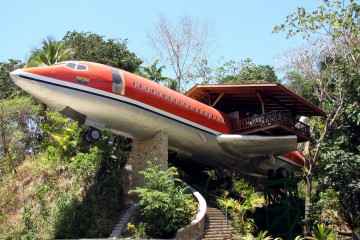 Plane Hotel - anything but plain! Hotel Costa Verde has unveiled its newest lodgings: two bedroom Boeing 727 fuselage suite