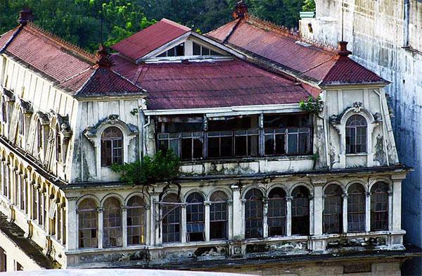 Abandoned-Luneta-Hotel-Manila-Philippines