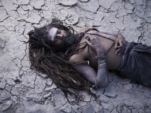 Holy-Men-Of-India30-620x465
