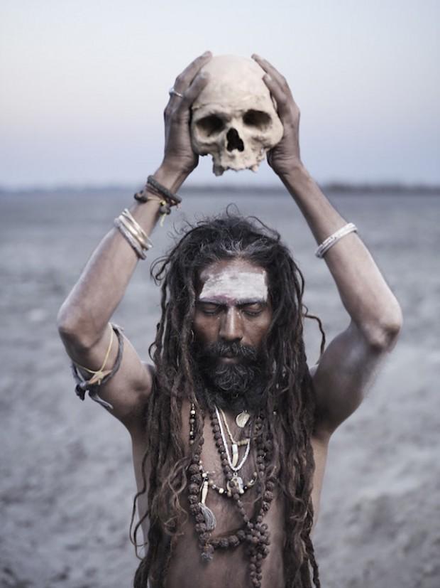 Holy-Men-Of-India32-620x827