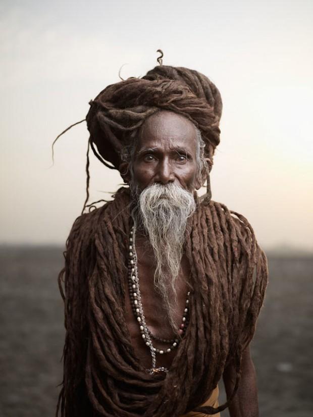 Holy-Men-Of-India37-620x826