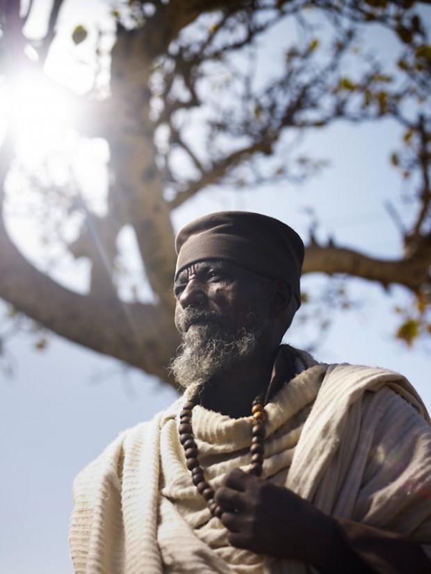 Holy-Men-Of-India4-620x826