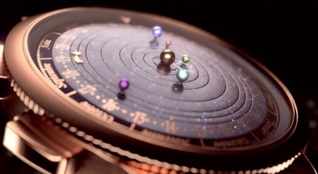 wristwatch-shows-solar-system-planets-orbiting-around-the-sun-10-620x340