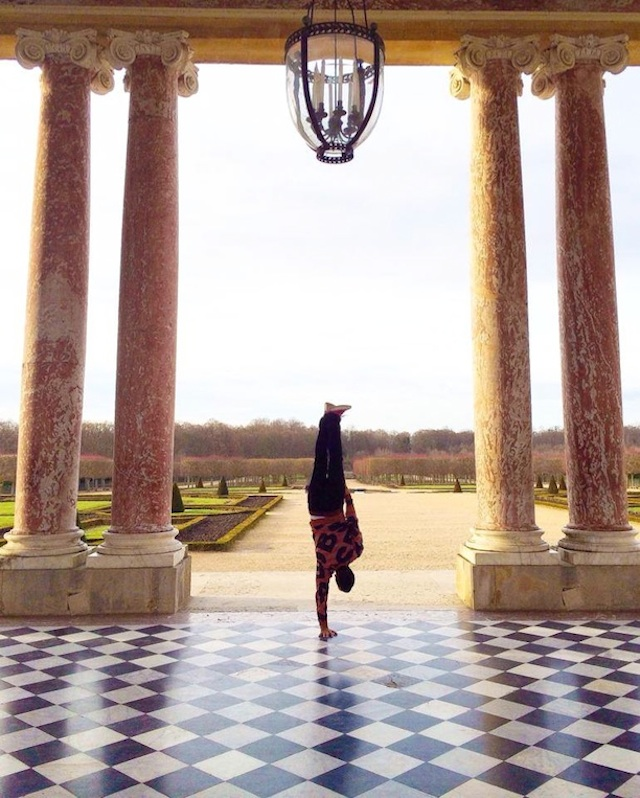 Breakdancer-at-Famous-Paris-Landmarks-13