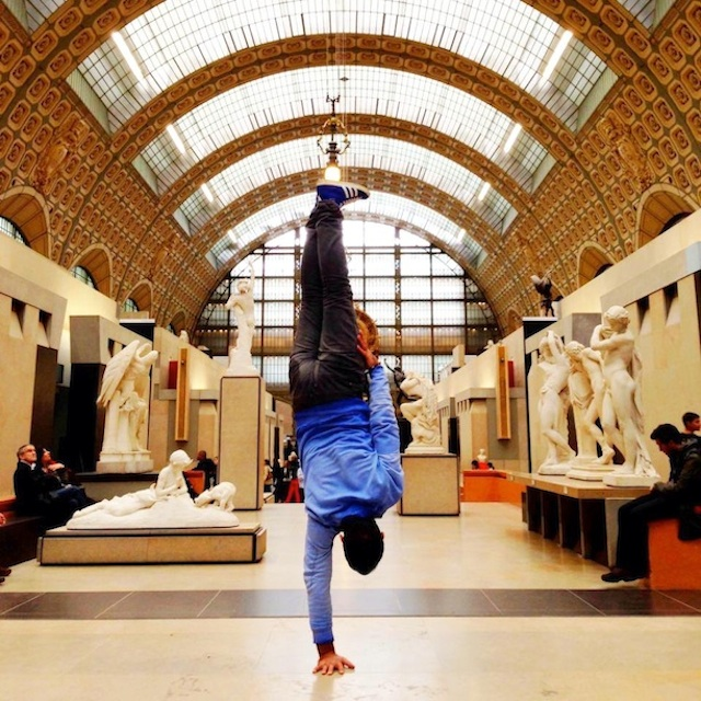 Breakdancer-at-Famous-Paris-Landmarks-14