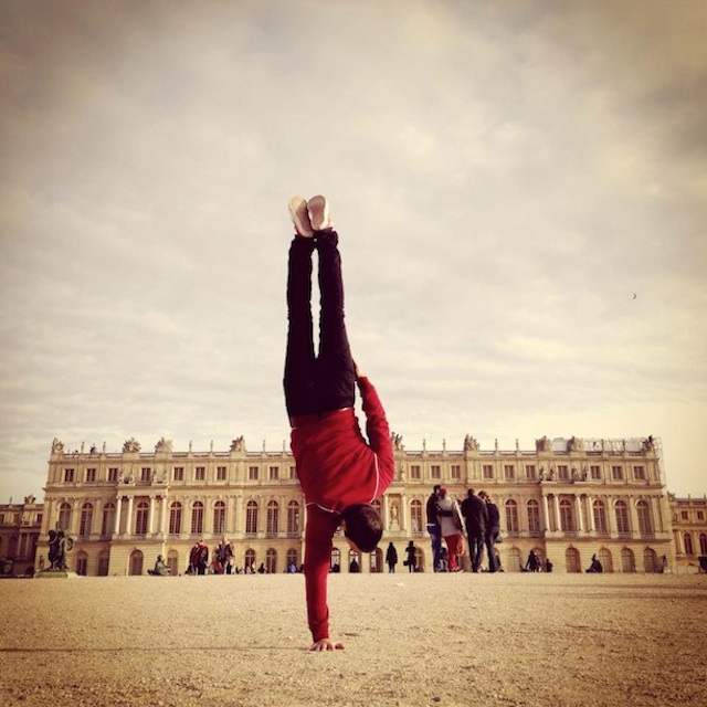 Breakdancer-at-Famous-Paris-Landmarks-19