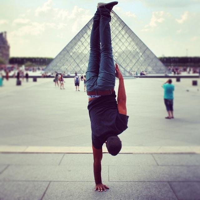 Breakdancer-at-Famous-Paris-Landmarks-7