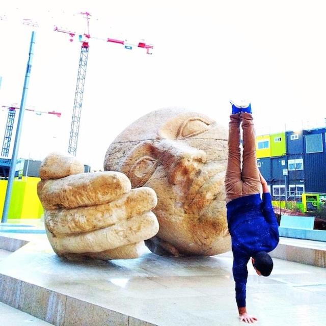 Breakdancer-at-Famous-Paris-Landmarks-8