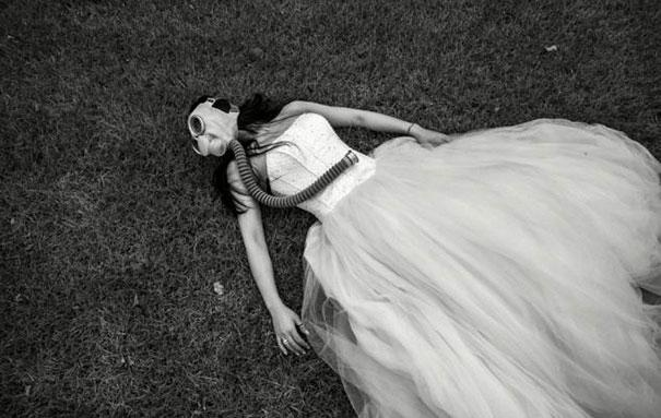 gas-masks-wedding-photography-beijing-china-10