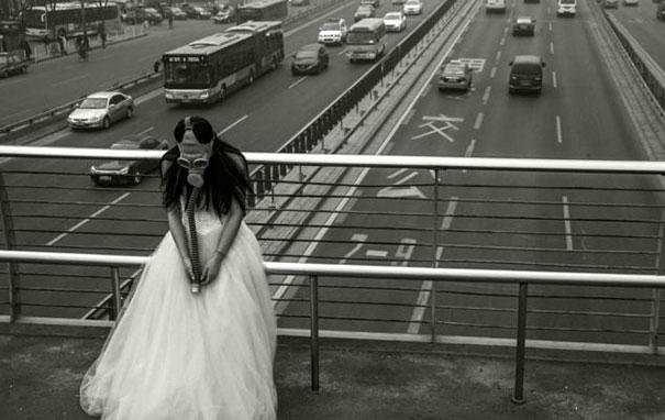 gas-masks-wedding-photography-beijing-china-9