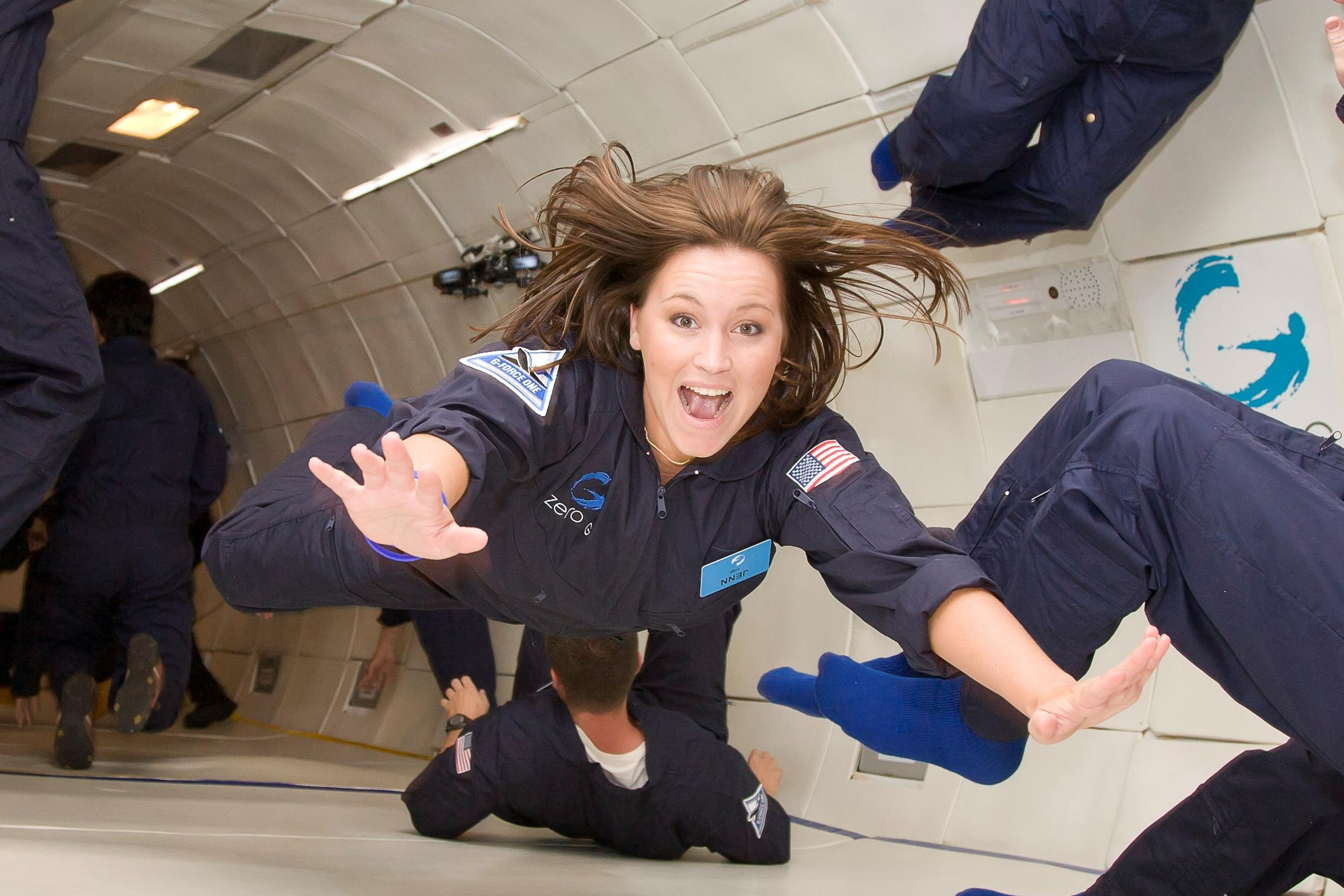 inside-zero-g-floating-4