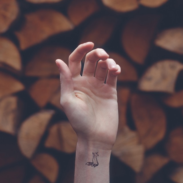 tiny-tattoos-08-640x640
