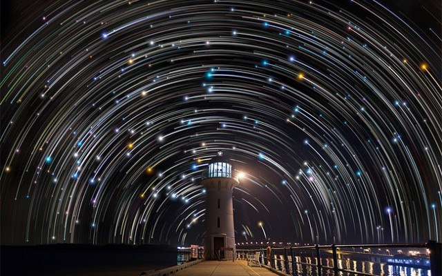 Star-trails-in-Singapore-Sky7-640x427