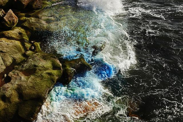 Dramatic-Ocean-Waves-Crash-10