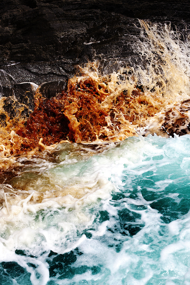 Dramatic-Ocean-Waves-Crash-12
