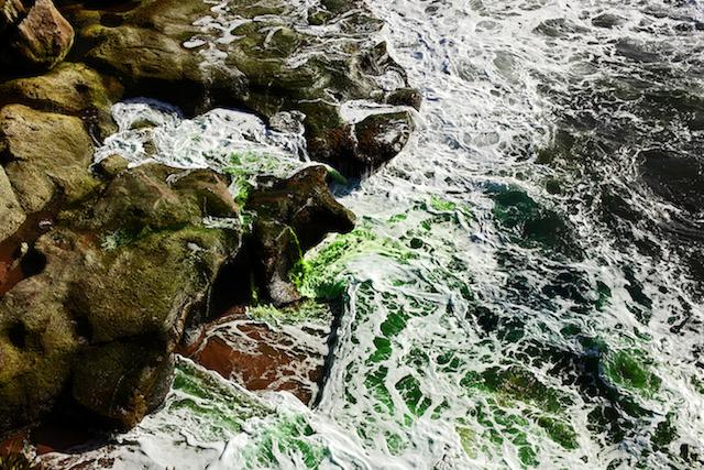 Dramatic-Ocean-Waves-Crash-6