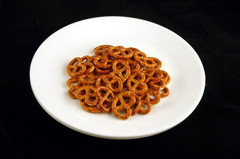 calories-in-salted-pretzels[4]