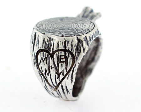 engraved-ring-carved-initials