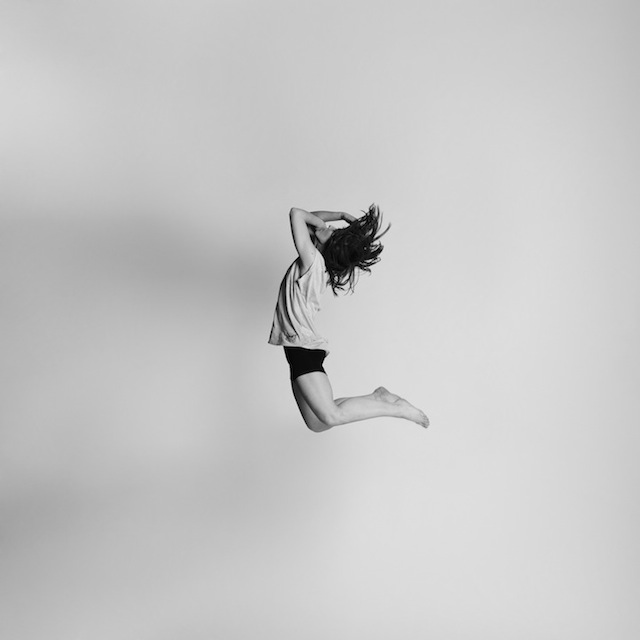 Black-and-white-jumping-people-photography-7