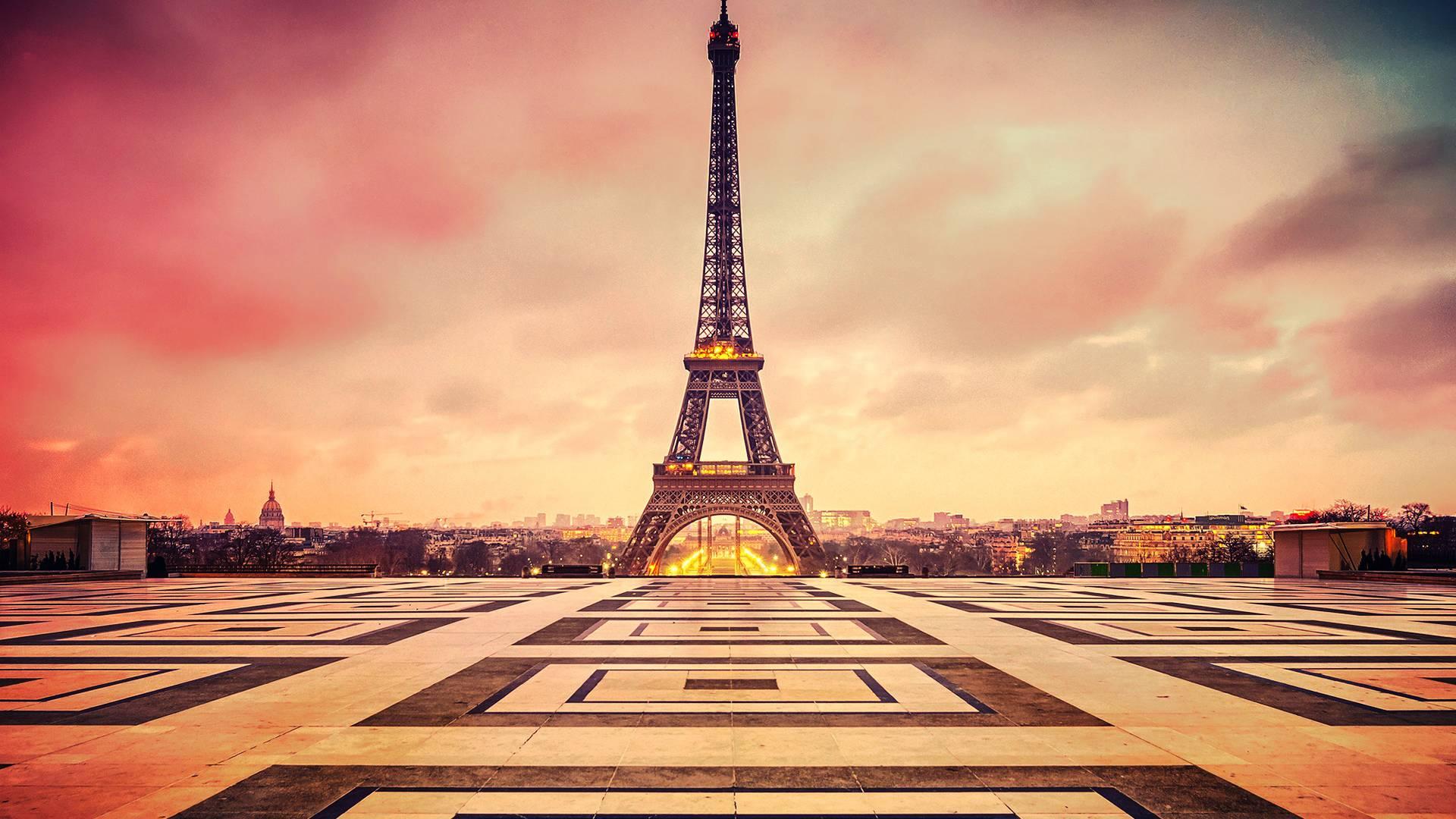 Eiffel-Tower-Beautiful-Paris-Wallpaper-HD