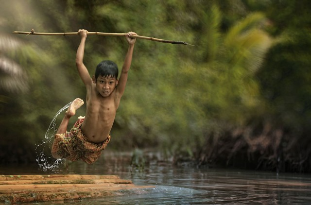 Life-In-Indonesian-Villages-Captured-by-Herman-Damar-13-640x422