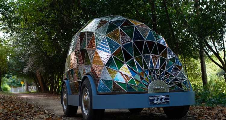 stained-glass-driverless-sleeper-car-dominic-wilcox-designboom-03
