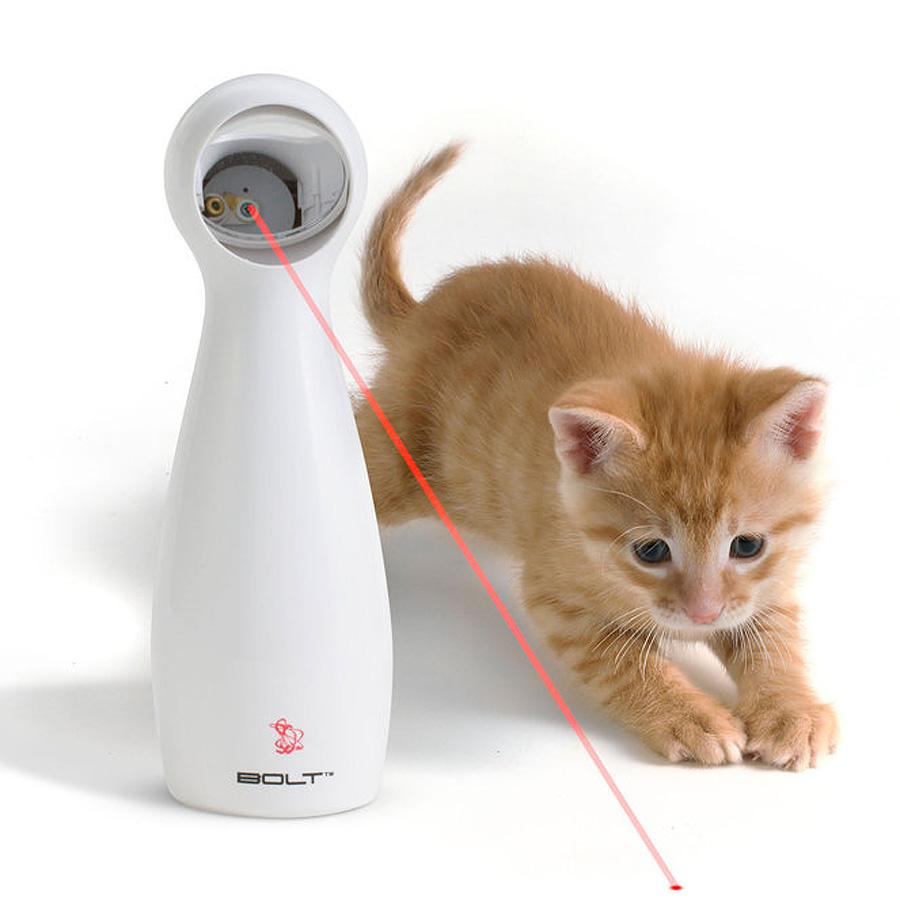 Interaktivní hračka s laserem (Amazon,nvm)