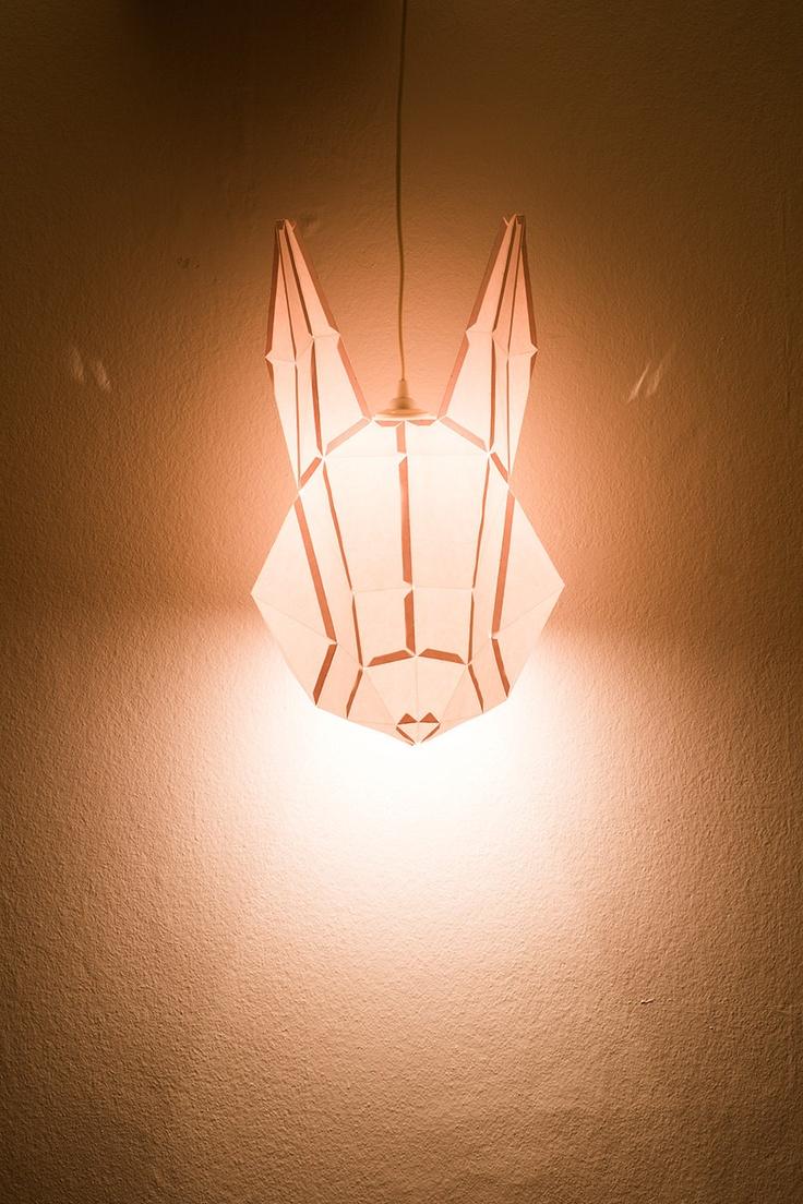 Lampa se zajícem (Etsy)