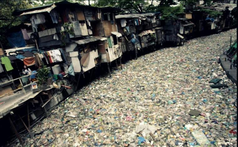 Manila-slum-Philippines1-760x470