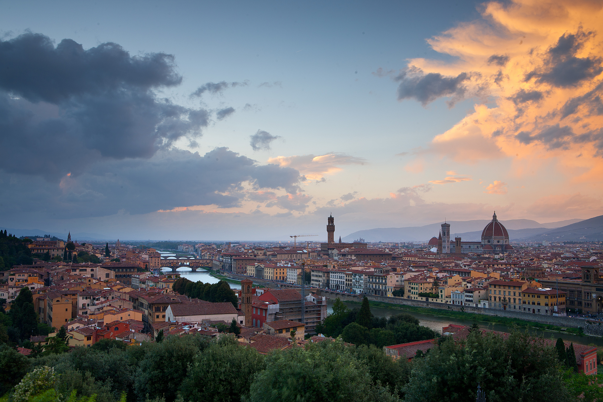 Sunset_in_Florence_from_the_Piazza_Michelangelo