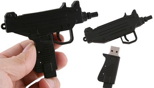 Flash disk, fleška, kulomet UZI
