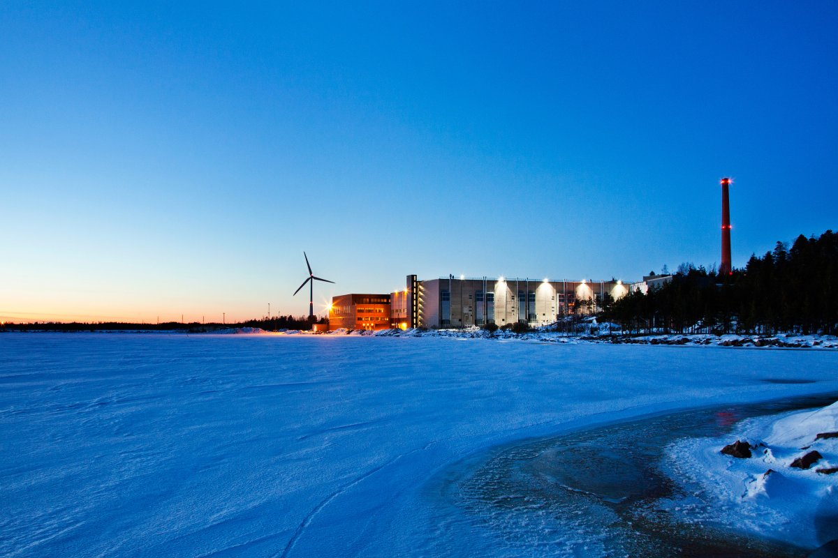 this-beautiful-view-was-taken-outside-of-googles-data-center-in-finland-which-sits-on-the-shores-of-a-frozen-gulf-this-building-was-once-used-to-house-a-paper-mill