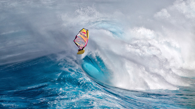 7-Above-the-Wave-in-Maui-Hawaii-by-Franck-Berthuot