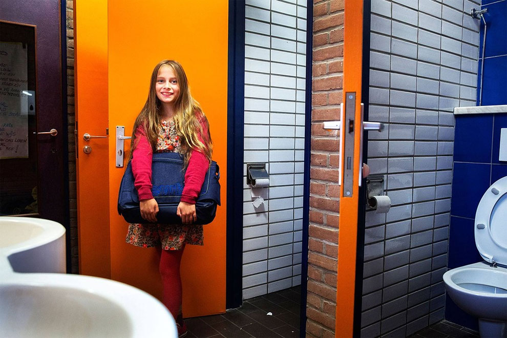 Brusel, Belgie - školní toalety (Tim Dirven)