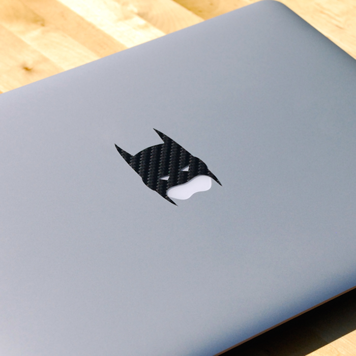Carbon-Fiber-Batman-MacBook-Decal-