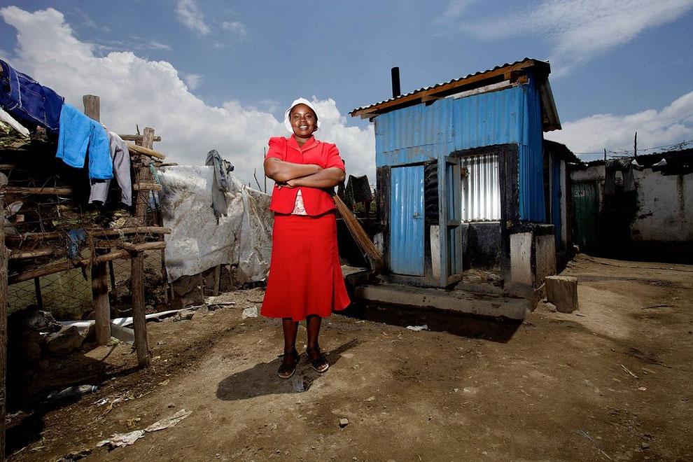 Keňa - školní toalety (Frederic Courbet)