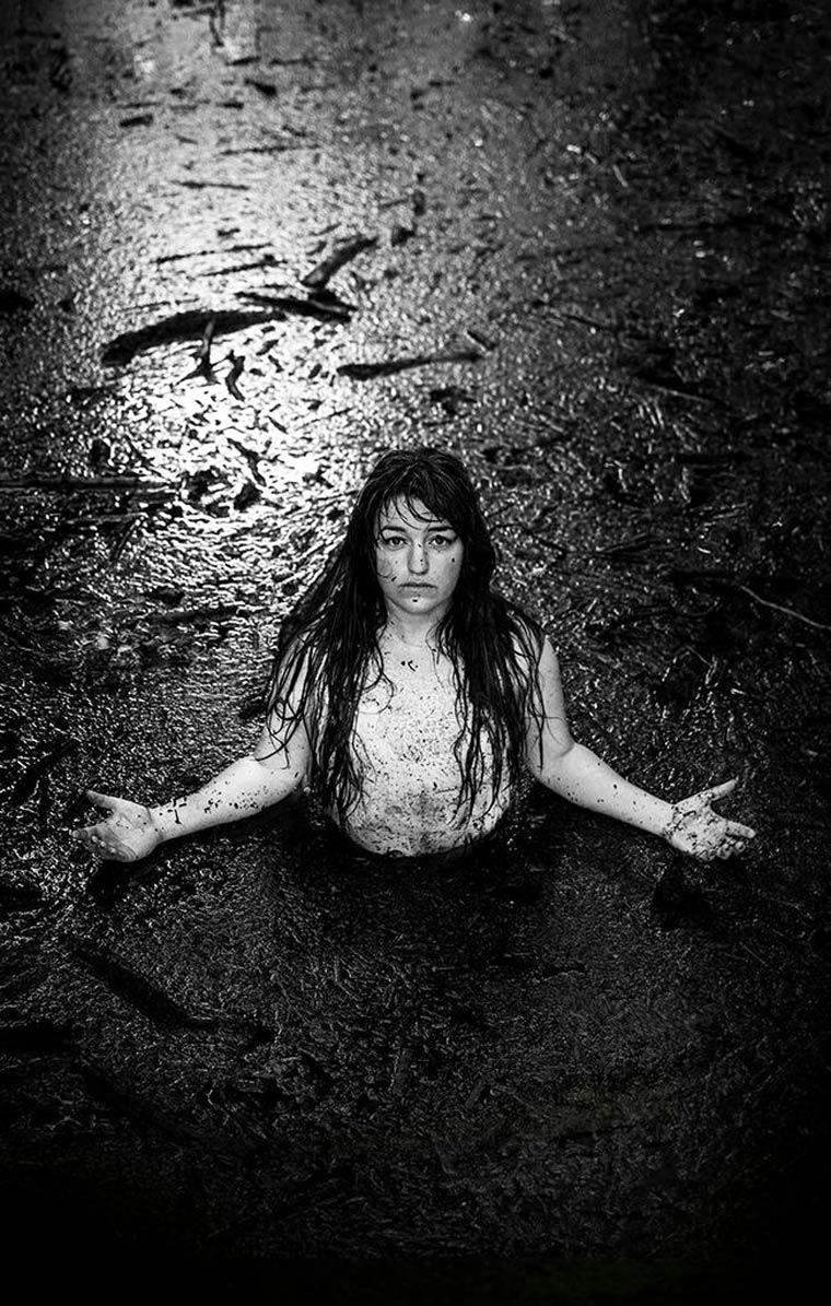 Sarah-Treanor-Stil-Life-Living-with-Death-13