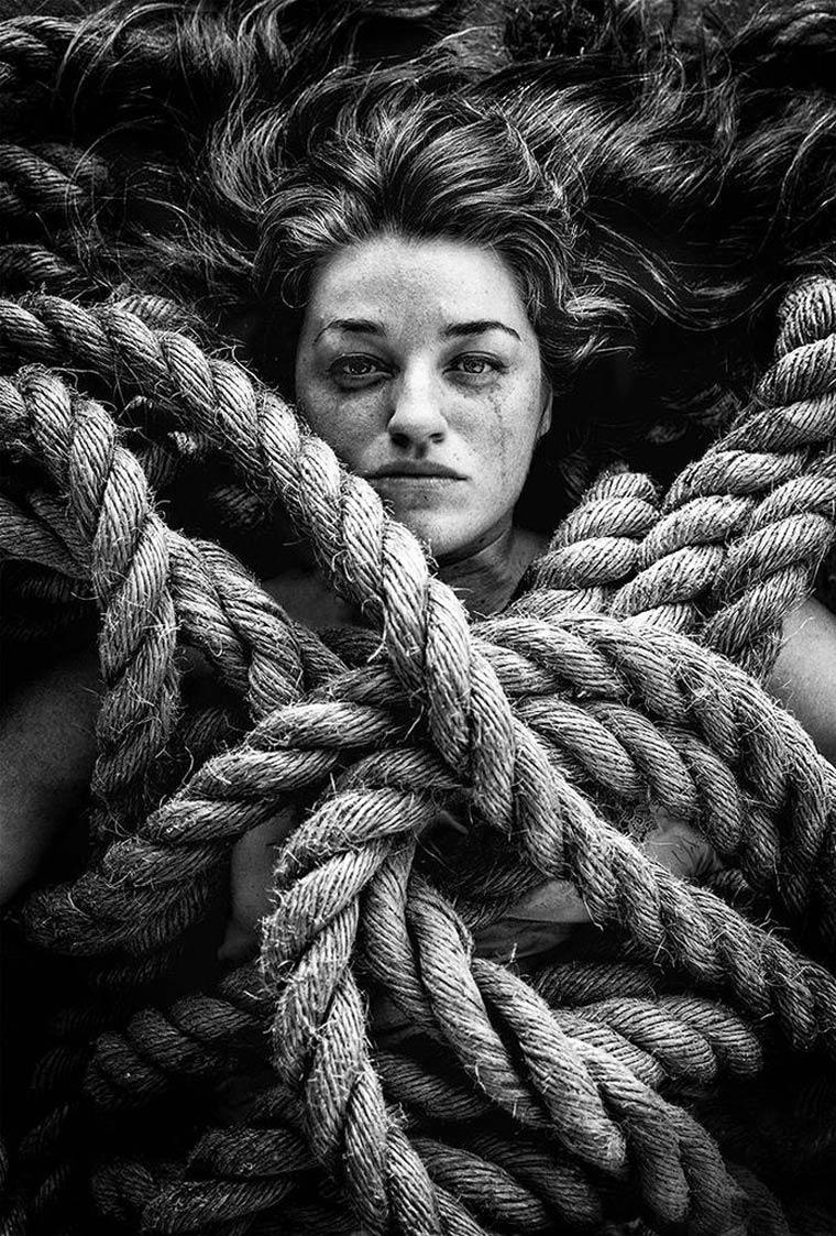 Sarah-Treanor-Stil-Life-Living-with-Death-17