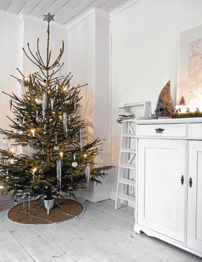 clipper_1323095089_Kerstboom-in-landelijke-huiskamer