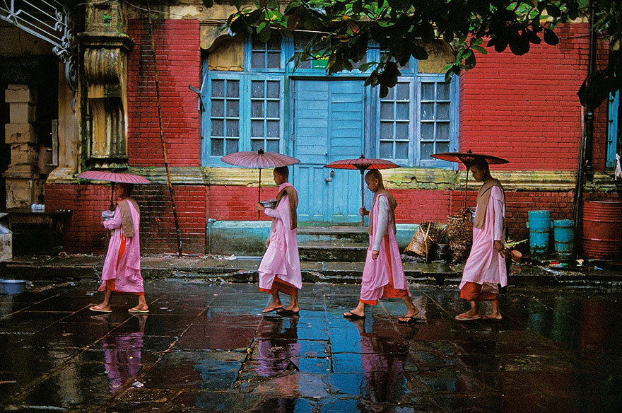 oltre-lo-sguardo-portraits-travel-photography-steve-mccurry-23
