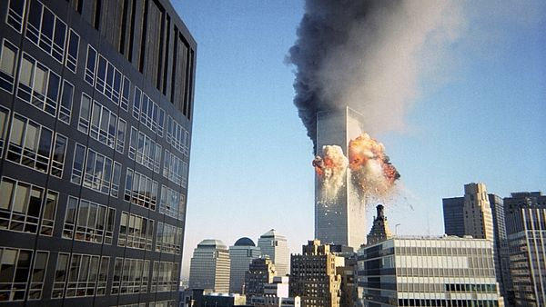 Amateur photographer captures plane striking World Trade Center