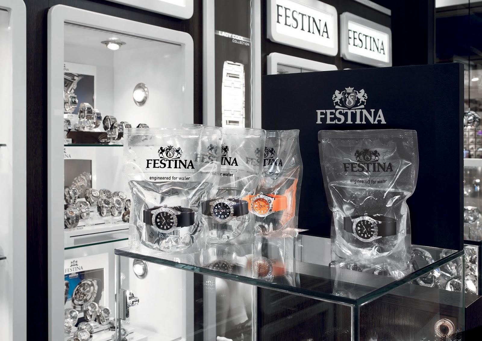 Voděodolné hodinky Festiva prodávané v sáčcích s vodou